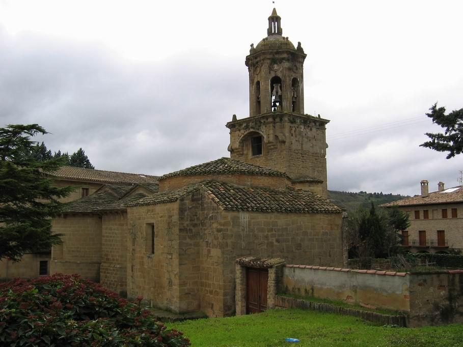 Iglesia del crucifijo, puente de la reina, Camino de Santiago
